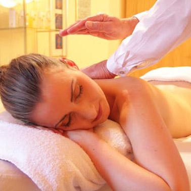 wellness massage relaxing